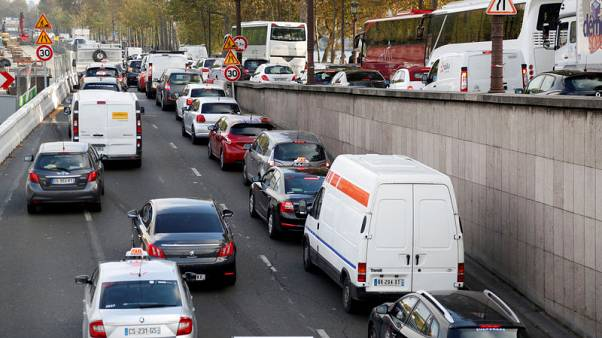 France will ask auto makers to fund new car trade-in payments