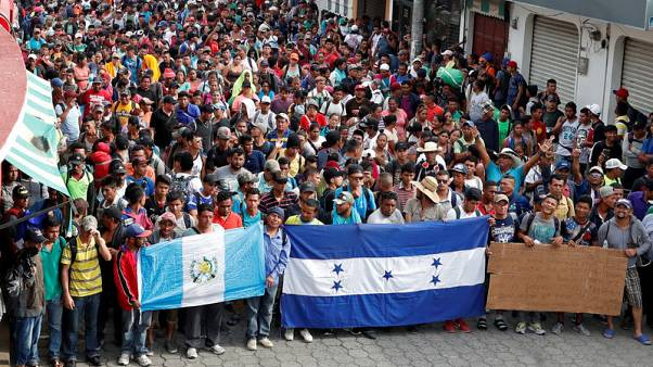 New U.S.-bound group of migrants sets off from El Salvador