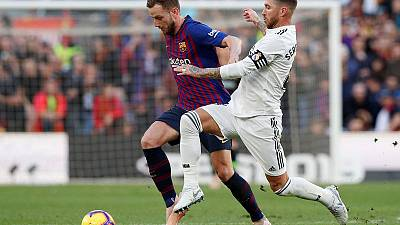 Barca thump Real as ruthless Suarez sticks knife into Lopetegui