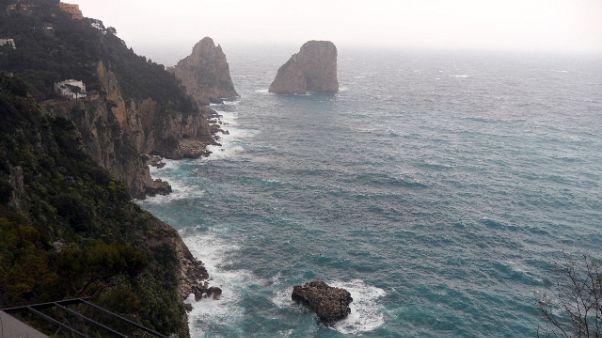 Stop collegamenti isole golfo Napoli