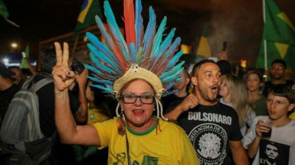 """Les électeurs de Bolsonaro espèrent que """"tout va changer"""" au Brésil"""