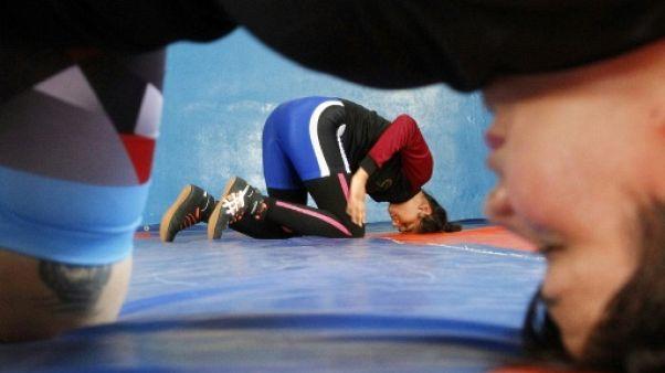 En Irak, les lutteuses en combat sur le tapis comme à la ville