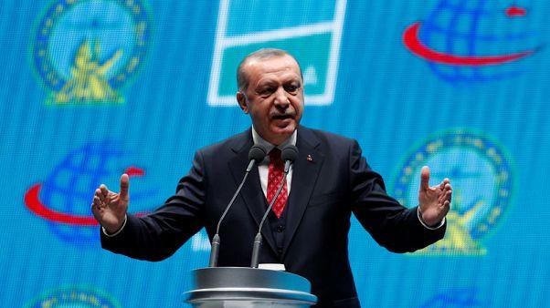 أردوغان يتوعد بسحق مقاتلين أكراد شرقي الفرات في سوريا