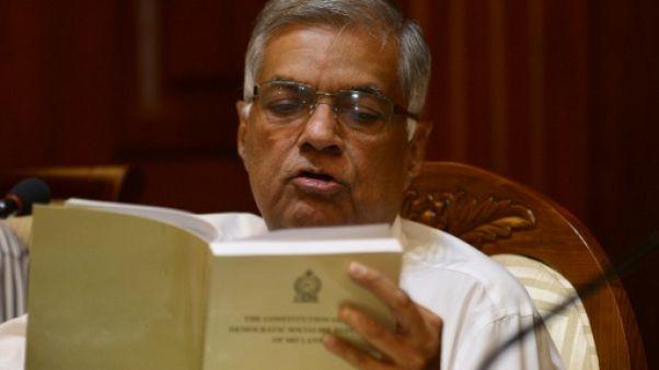 Crise au Sri Lanka: mobilisation de masse pour le Premier ministre démis
