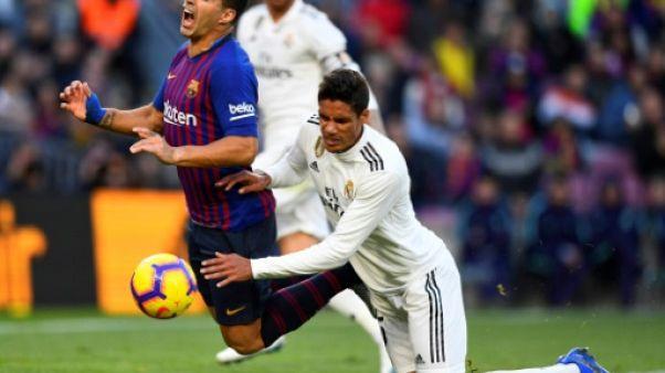 Real Madrid: Varane blessé, jusqu'à un mois d'absence