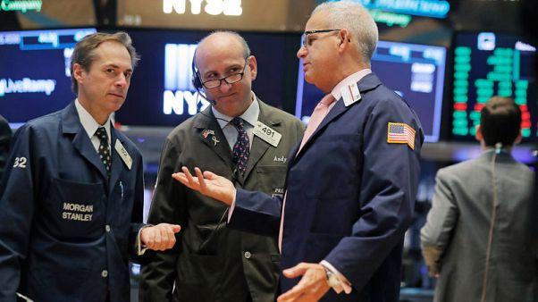 تباين الأسهم الأمريكية عند الفتح
