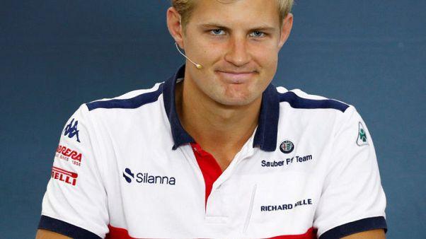السويدي إريكسون ينتقل للمشاركة في سباقات اندي كار