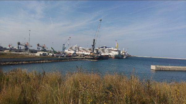 Tap: lavori, partita da Brindisi nave