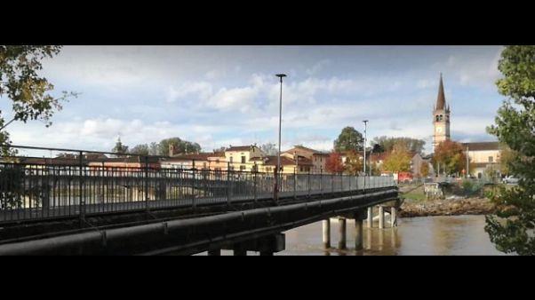 Crollato ponte pedonale sull'Adda
