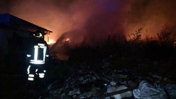Incendio in baraccopoli Borgo Mezzanone