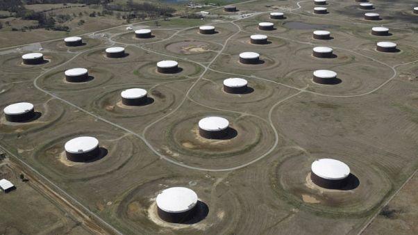 مصحح رسمي-معهد البترول: مخزونات النفط الخام الأمريكية تزيد 5.7 مليون برميل