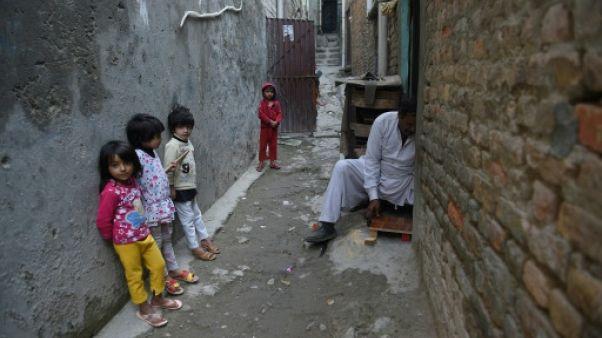 Des enfants dans un quartier chrétien d'Islamabad le 31 octobre 2018