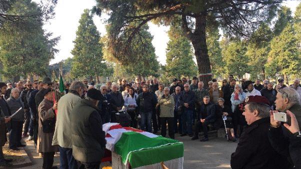 Prefetto, no raduni politici in cimiteri