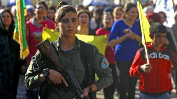 """Syrie: les forces soutenues par Washington annoncent l'arrêt """"temporaire"""" des opérations anti-EI"""
