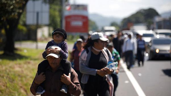 New migrant caravan departs El Salvador for U.S.