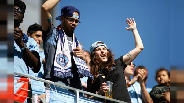 Des fans de New York City au stade de Los Angeles, le 13 mai 2018