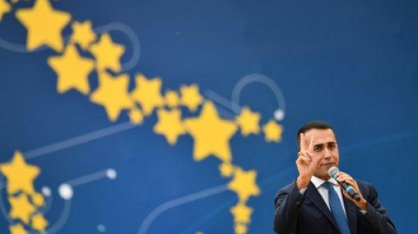 Dans le grand bain de la politique italienne, le jeune Di Maio à la peine