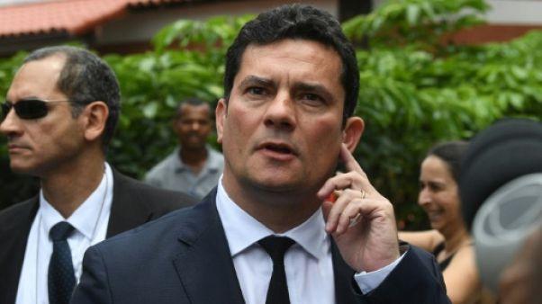 Brésil: Bolsonaro attire un juge anticorruption dans son gouvernement