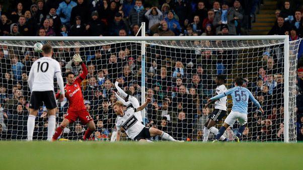 Diaz double puts City into League Cup quarters