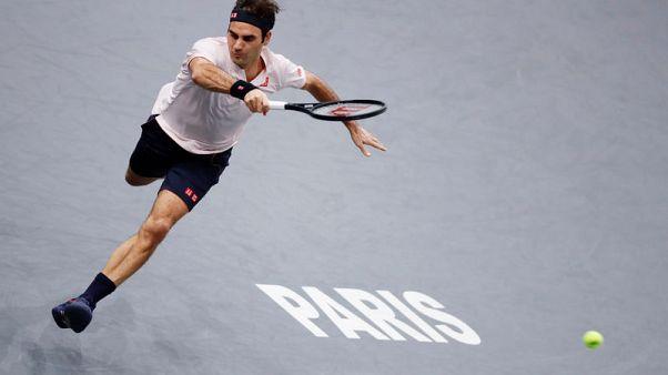 Federer feels the Paris love again