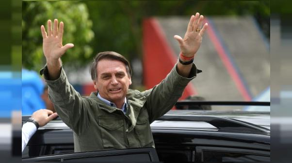 Brésil: une première semaine active et confuse pour Bolsonaro