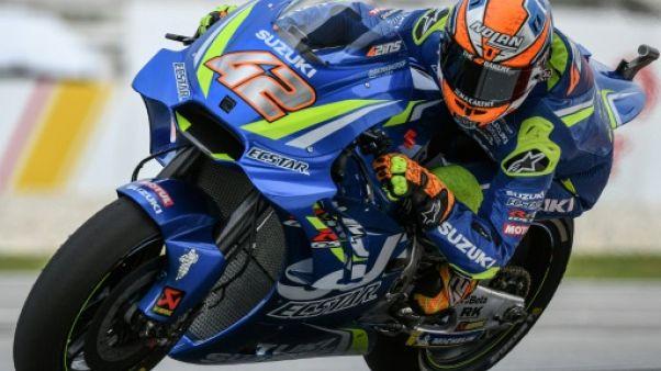 MotoGP: Rins (Suzuki) surprend avec une moto qui avait pris feu jeudi