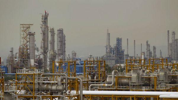 مسؤول أمريكي: المعروض العالمي من النفط في 2019 سيجعل من الأيسر وقف استيراد الخام الإيراني
