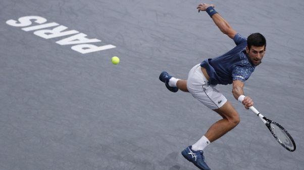 Tennis: Parigi, Djokovic in semifinale