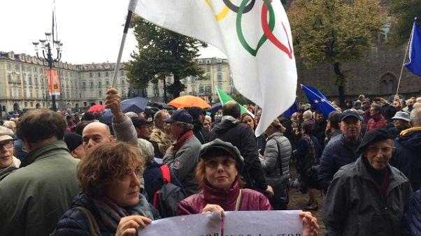 Torino dice 'basta',in piazza contro M5S