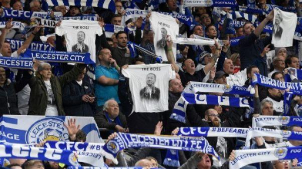 Angleterre: Leicester rend hommage à son président décédé