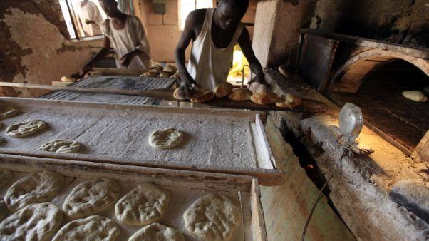 السودان يزيد دعم الطحين بنسبة 40% لخفض أسعار الخبز