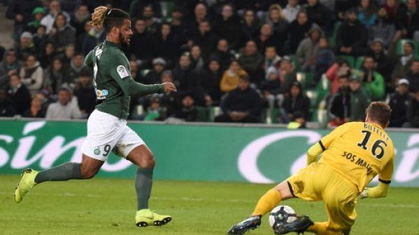 Ligue 1: Saint-Etienne s'en sort bien face à Angers