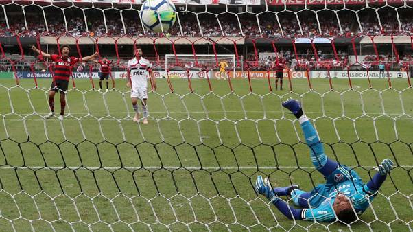 Sao Paulo and Flamengo share points in entertaining 2-2 draw