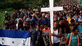 أول دفعة من قافلة مهاجرين متجهة إلى أمريكا تصل إلى عاصمة المكسيك