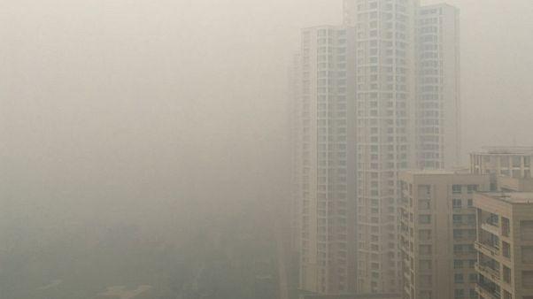 الضباب الدخاني يطبق على العاصمة الهندية وارتفاع مستويات التلوث