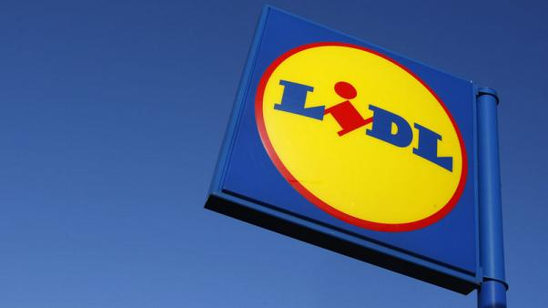 Lidl raises pay for British workers