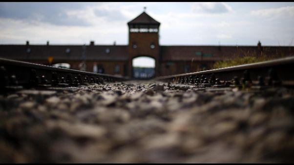 Shoah: la Lazio a Auschwitz con Raggi
