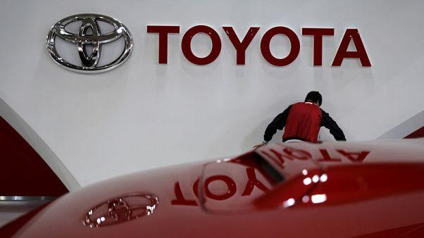 Toyota lifts full-year profit forecast on weaker yen