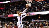 NBA: le meneur d'Oklahoma Westbrook sort sur blessure