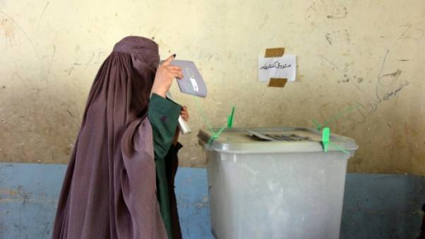 Une Afghane vote le 27 octobre 2018 à Kandahar