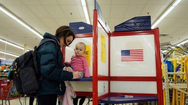 جماعات حقوقية: مشكلات في آلات التصويت في 12 ولاية أمريكية