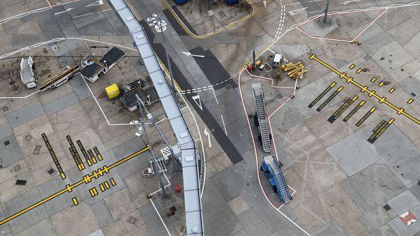 مطار هيثرو بلندن يعمل بعد إصلاح عطل في الإضاءة