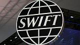 الاتحاد الأوروبي يقول قرار سويفت بشأن بنوك إيران مؤسف