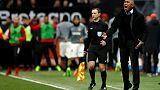 جانجون يقيل مدربه كومبواريه عقب مسيرة سيئة في الدوري الفرنسي