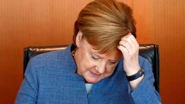 استطلاع: ثلثا الألمان تقريبا يريدون تنحي ميركل