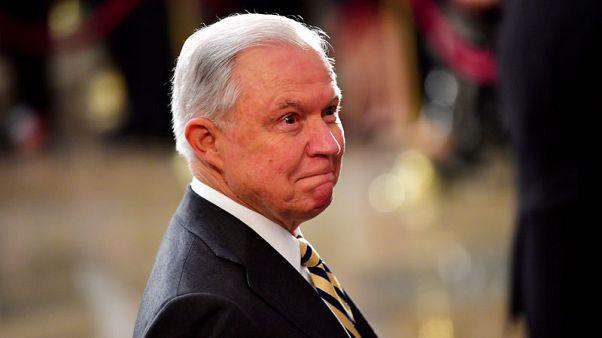 إقالة وزير العدل الأمريكي بعد انتقاد ترامب له بسبب تحقيق روسيا