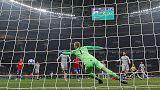 Roma beat 10-man CSKA to close in on last 16