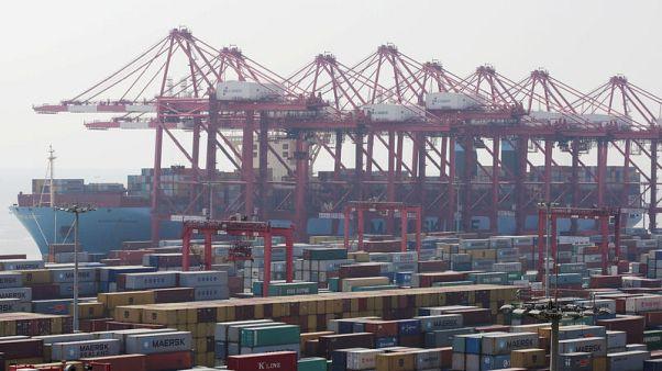 ارتفاع مفاجئ لصادرات الصين في أكتوبر لاستباق رفع الرسوم الأمريكية