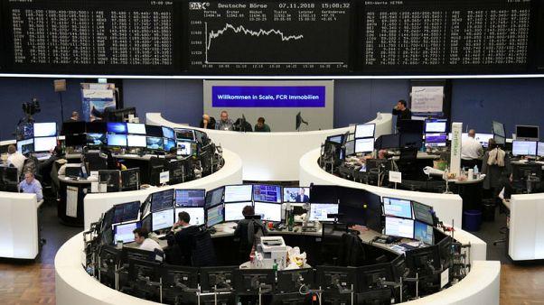 أسهم أوروبا عند أعلى مستوى في شهر مع تألق البنوك وسوديكسو