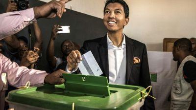 Présidentielle à Madagascar: Rajoelina et Ravalomanana au coude à coude